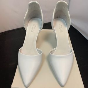 Cos White Leather Wave Pumps